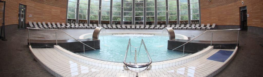 bg_04_piscine-vaporarium-min